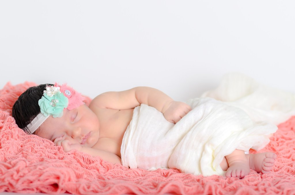 07-10-14-Kaitlyns-Newborn-Photos-003.jpg