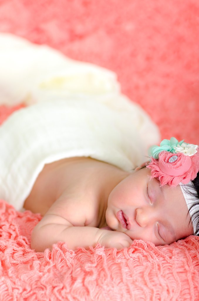 07-10-14-Kaitlyns-Newborn-Photos-005.jpg