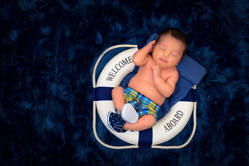 08-05-16-Life-Preserver-Newborn-Photos-001.jpg
